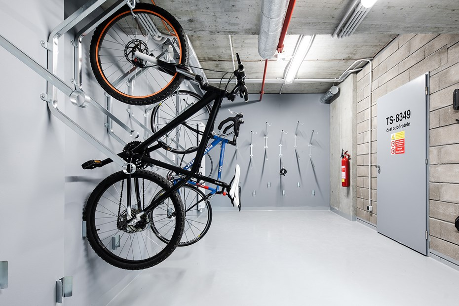Praga_Studios_bike room_by_Tomas_Hejzlar