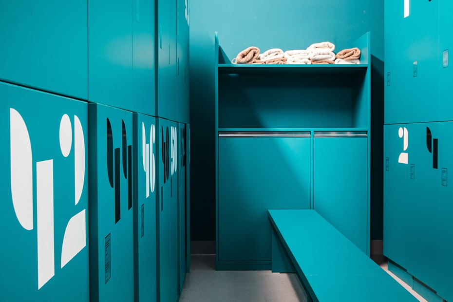 Praga_Studios_locker room and towel service_by_Tomas_Hejzlar